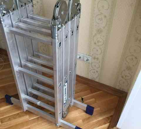 Складная алюминиевая лестница