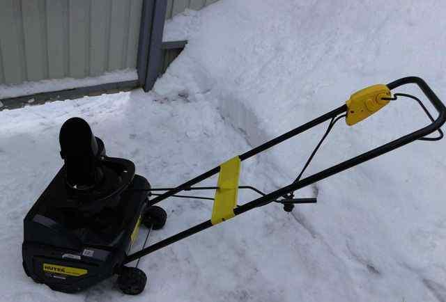Снегоуборщик Huter SGC2000E магазин снегоуборщиков