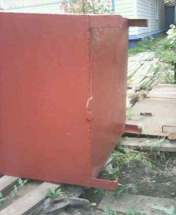 Продам контейнер для мусора с крышкой