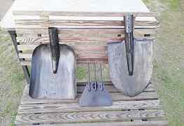 Коса, лопата, тяпка, ведра садовые
