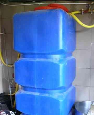 Емкость 1100л. из пищевого пластика б/у чистая