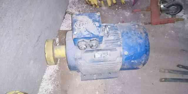 Электродвигатель аир 160S2 У2 с насосом в комплект