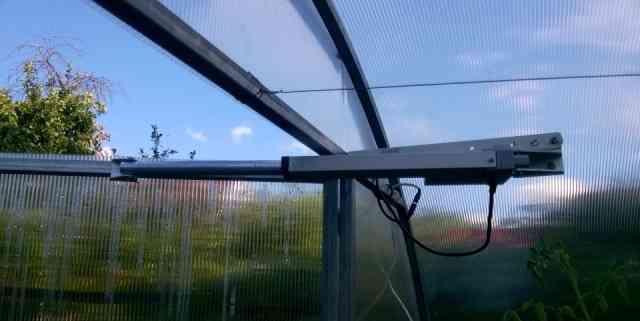 Автономное проветривание теплиц с электроприводом