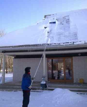 Скребок для очистки крыш от снега, длина ручки 6.2