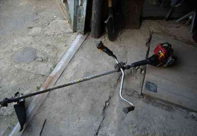 Бензиновый триммер Homelite F 3055