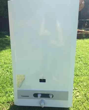 Продам газовый водонагреватель