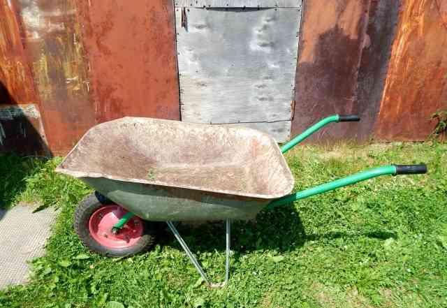 Продаётся садовая тележка