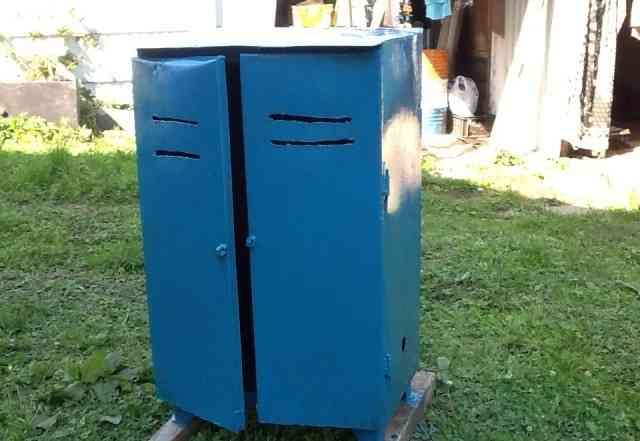 Металлический шкаф, ящик, сейф для газовых балонов