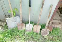 Старые лопаты