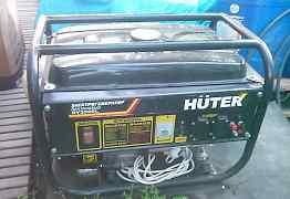 Продам бензогенератор на 2 кВ Huter