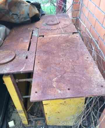 Станок для резки и обработки дерева