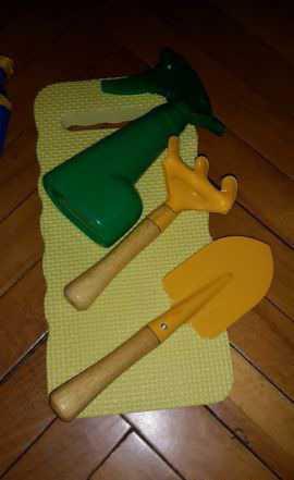 Дачный набор грабли, лопатка, распылитель новый