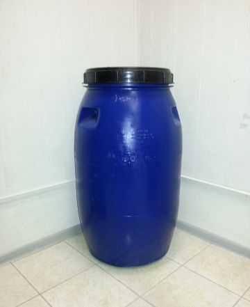 Бочки пластиковые по 250 литров