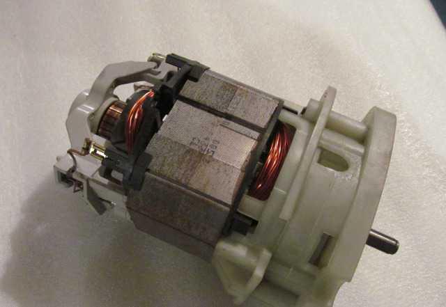Элекродвигатель к тримеру или рубанку