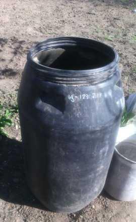 Б/убочка пищевая пластмассовая черная 260 литро