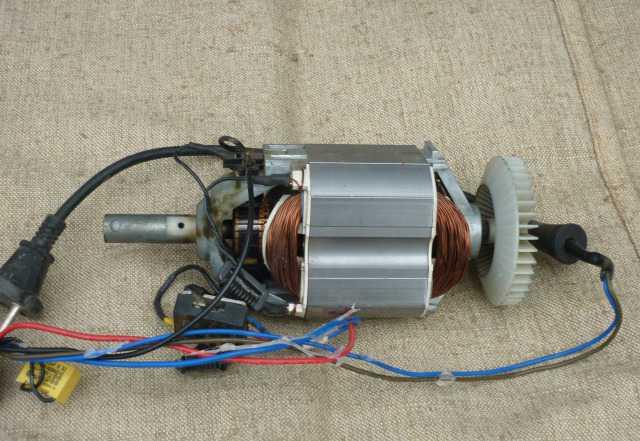 Электродвигатель на газонокосилку