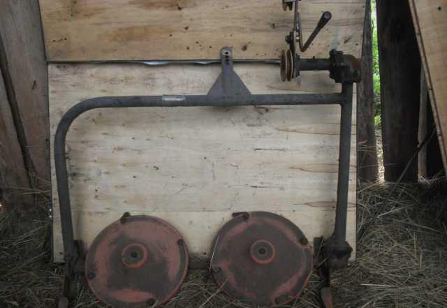 Продам косилку роторную и подборщик сена