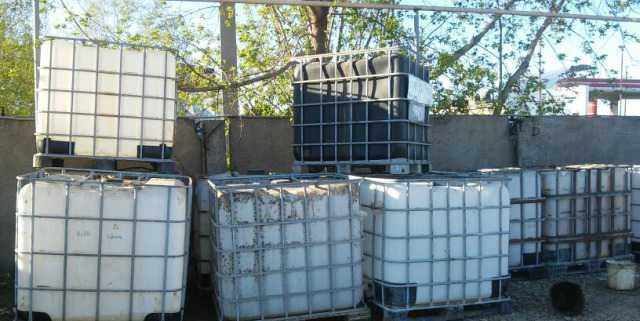 Пластиковые тары под воду на дачу огород и гсм