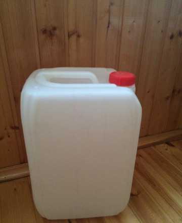 Продам канистры пластиковые 20 л