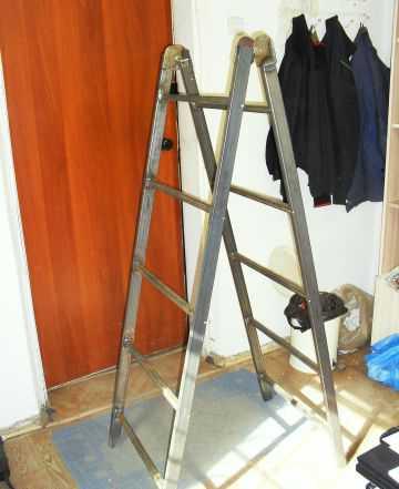 Лестница, стремянка складная