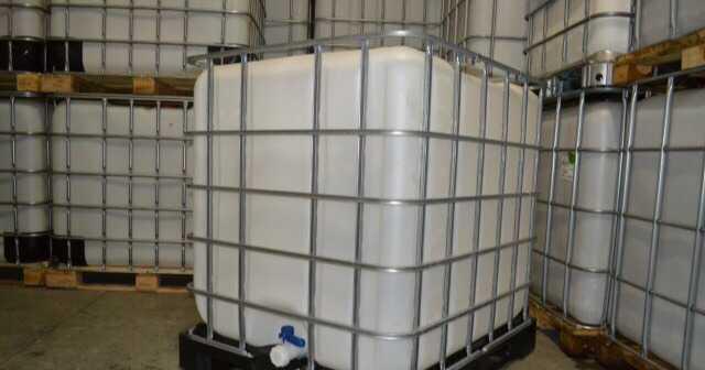 Еврокуб (lBC) емкость вобрешотки 1000 литров