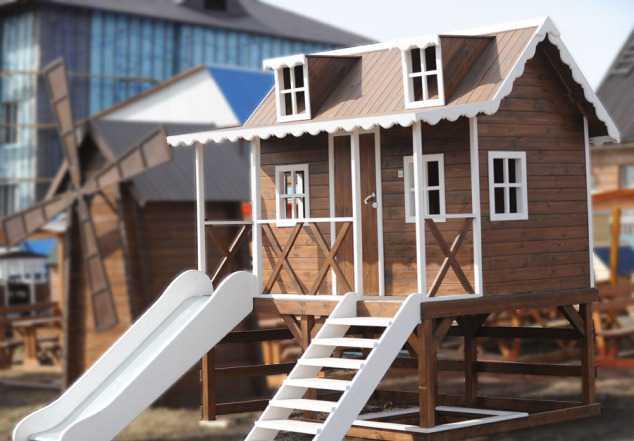 Детский игровой домик с горкой и песочницей (детск