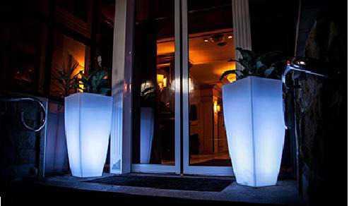 Пластиковые вазоны с LED-подсветкой