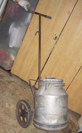 Тележка для перевозки воды и фляга аллюминиевая