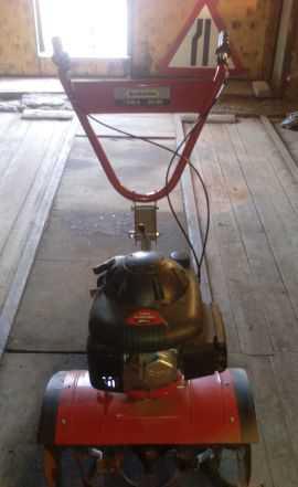 Культиватор с бензиновым двигателем MTD