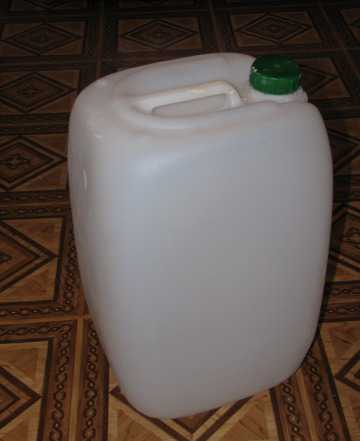 Канистры пластиковые 25 л
