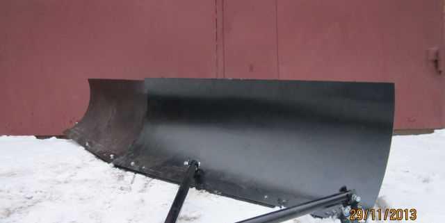 Универсальный прицепной снегоочиститель