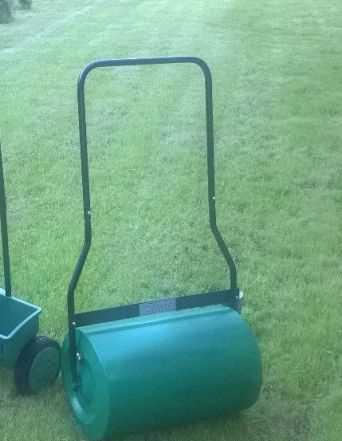 Каток (валик) газонный ручной