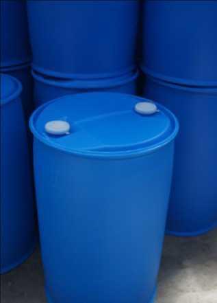 Бочки 220 литров б/у пищевые синего цвета