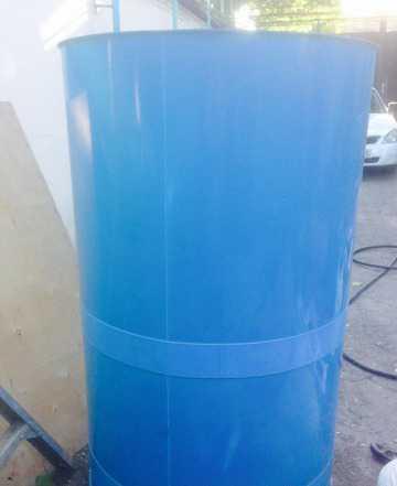 Емкость -цилиндр из пластика