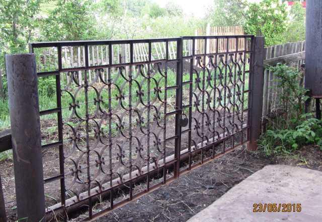Сварные металлические ворота и калитка