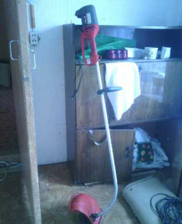 Триммер для травы электрический 1Квт Италия