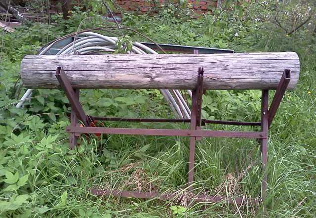 Металлический козёл для распилки брёвен
