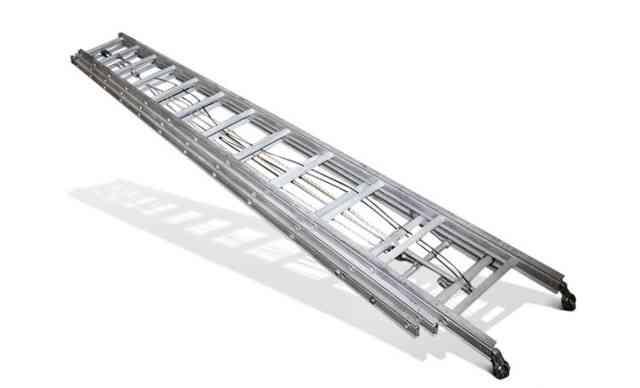 Пожарная алюминиевая выдвижная лестница