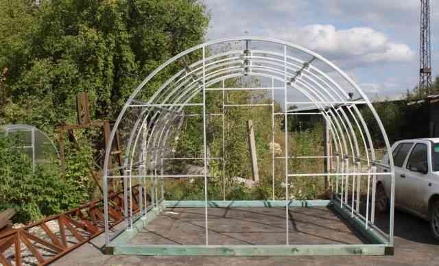 Теплица из поликарбоната ширина 3.5 метра (цинк)