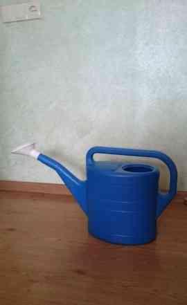 Лейка для полива на садовом участке