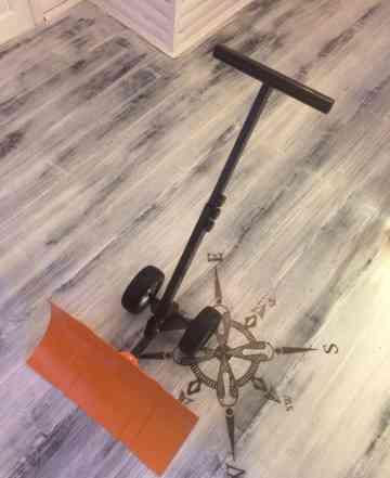 Лопата для уборки снега(движок) на больших колесах