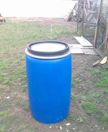 Пластиковые бочки (новые) 250 160 и 65 литров