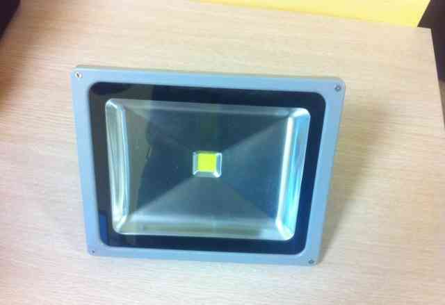 Продам Светодиодный прожектор 50W
