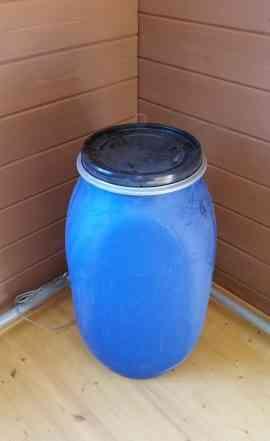 Пластиковая бочка 227 литров с крышкой и хомутом