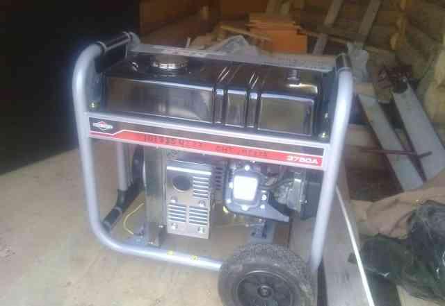 Генератор бензиновый BriggsStratton 3750A б/у