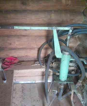 Ручной водяной насос для скважины