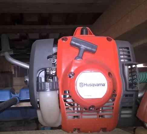 Бензиновый триммер Хускварна 122C
