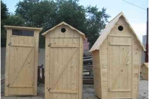 Деревянный душ и туалет для дачи
