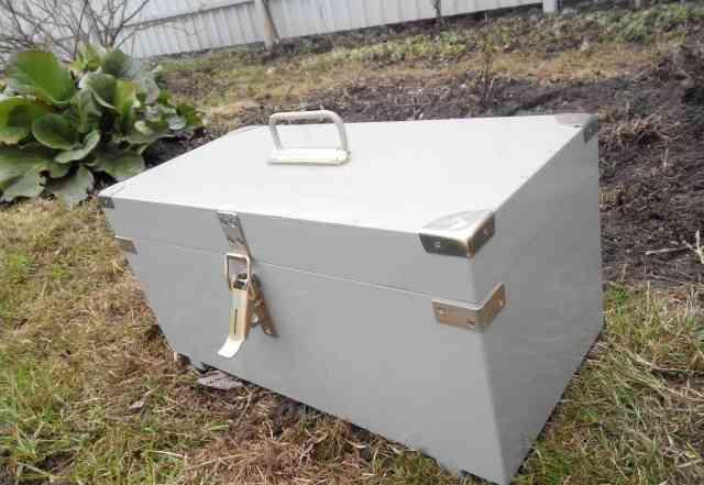 Переносной ящик для хранения бензопилы