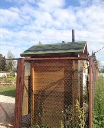 Туалет деревянный садовый